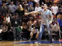 Марк Кьюбан ежегодно тратит 1 млн.долларов на проведение шоу во время матчей