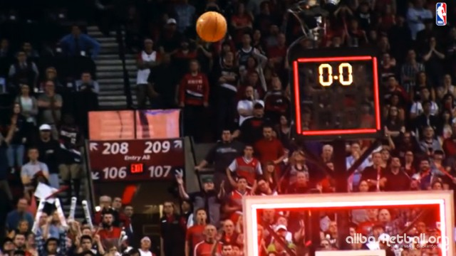 The Top 10 NBA Buzzer Beaters Of All Time