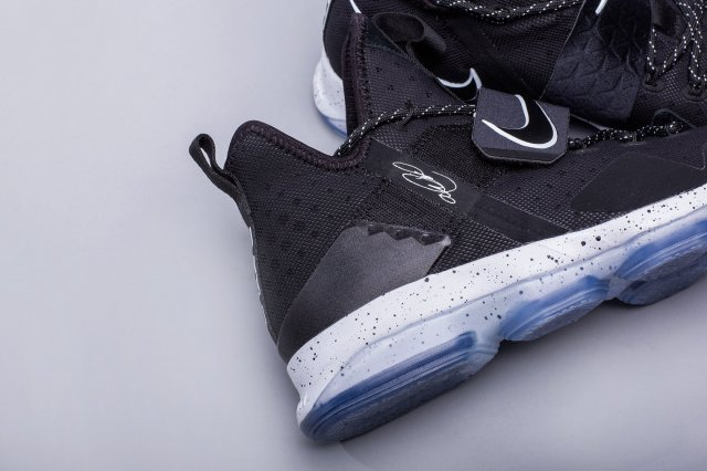 Обзор: Nike LeBron XIV