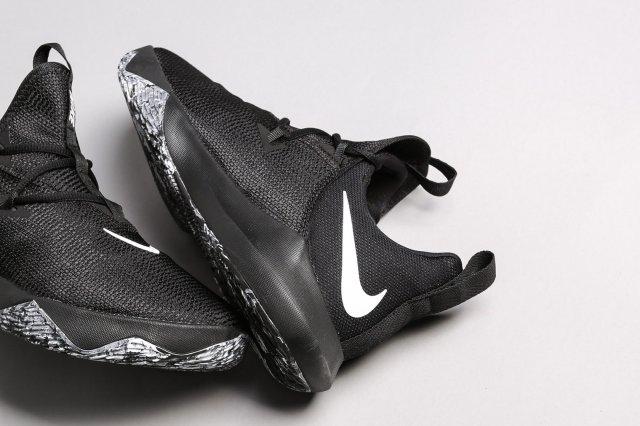 Обзор Nike Zoom Shift 2