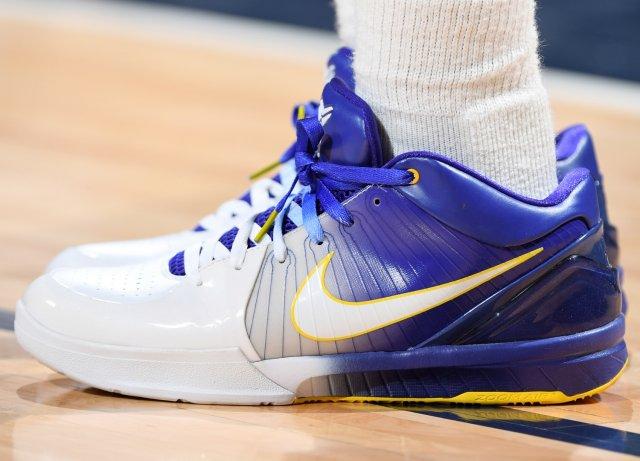 Isaiah Thomas: Nike Zoom Kobe IV