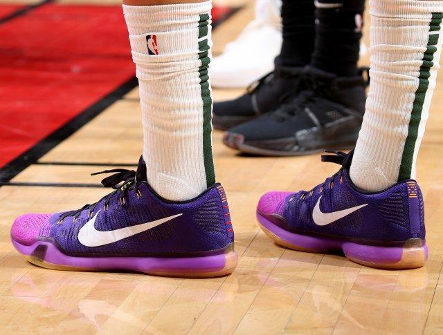 D.J. Wilson: Nike Kobe 10 Low