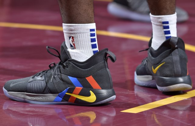 Damyean Dotson: Nike PG 2