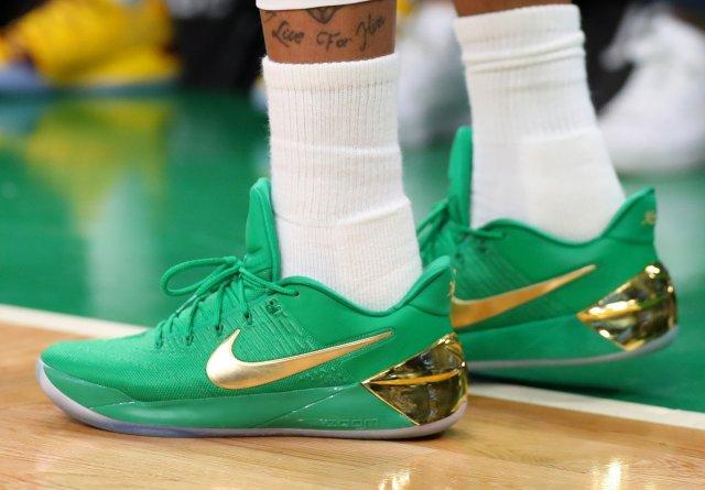 Isaiah Thomas: Nike Kobe A.D.