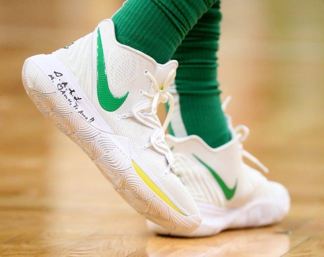 Kyrie Irving: Nike Kyrie 5