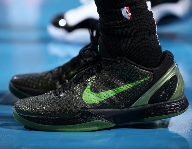Derrick Jones Jr.: Nike Zoom Kobe 6