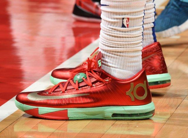 Johnathan Motley: Nike KD 6