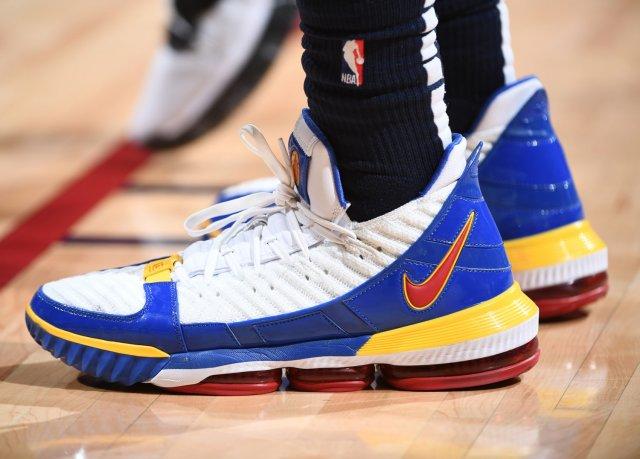 Torrey Craig: Nike LeBron 16