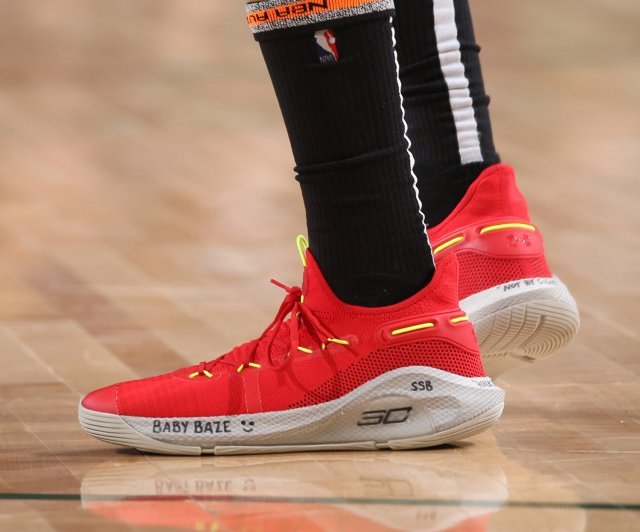 Kent Bazemore: Under Armour Curry 6