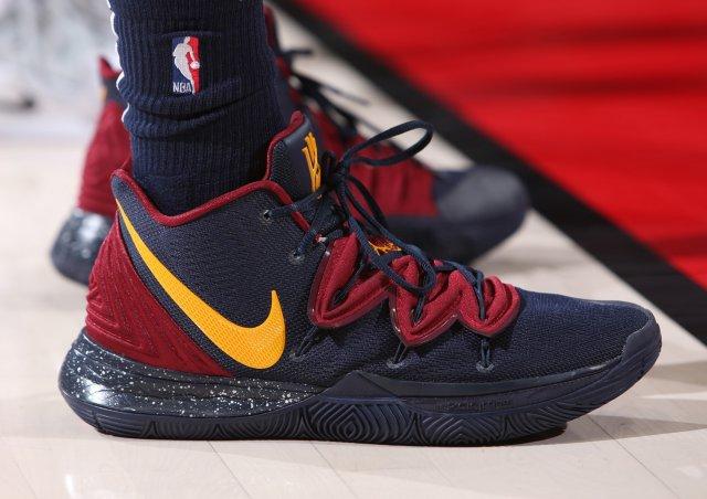 Jarred Vanderbilt: Nike Kyrie 5