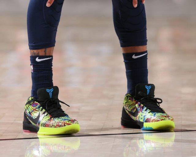Isaiah Thomas: Nike Zoom Kobe 4 Protro