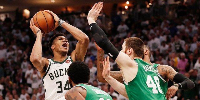 «В первой игре нас отшлепали, пришлось забирать вторую». В плей-офф НБА начинается самое интересное