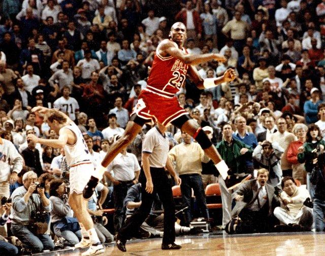 Air Jordan IV Bred — частичка легендарного «The Shot» Майкла Джордана