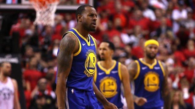Клубы НБА потратили более 3 млрд долларов за сутки. Но никто не хочет в «Лейкерс» к Леброну