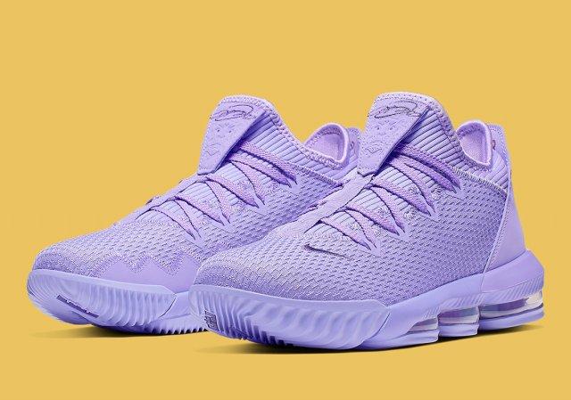 Новые низкие кроссовки Леброна Джеймса полностью покрашены в лиловый цвет