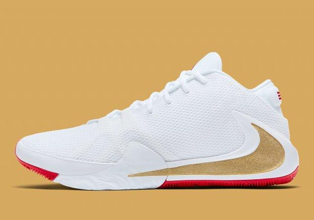 "Nike показали новую расцветку первых именных кроссовок Янниса Адетокумбо — Nike Zoom Freak 1 ""Roses"""