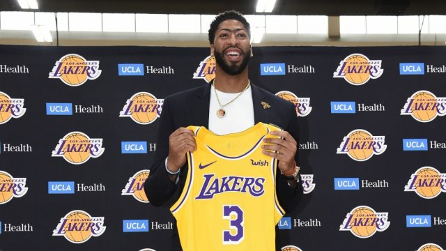 Топ-10 лучших оборонительных игроков НБА прямо сейчас