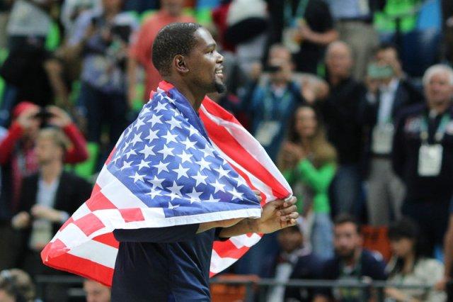 Дюрант и Леброн снова вместе. Какой должна быть сборная США на Олимпиаде-2020