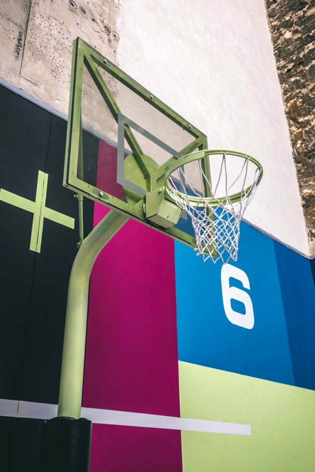 Pigalle и Nike обновили баскетбольную площадку в Париже