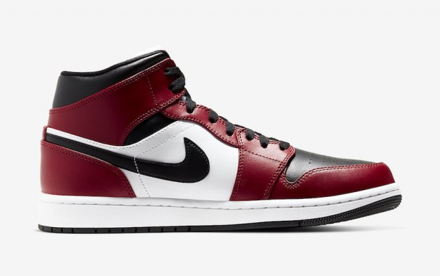 Официальные фото Air Jordan 1 Mid «Chicago Black Toe»