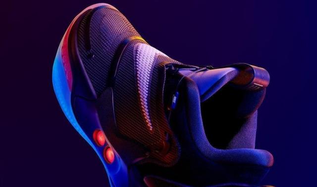 Обзор Nike Adapt BB 2.0 — самые технологичные кроссовки